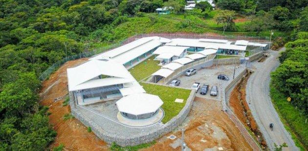 Toma aérea del Liceo Rural de Salitre